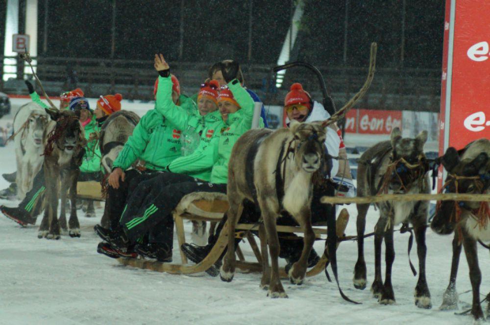 По югорской традиции, всех победительниц прокатили на оленях.