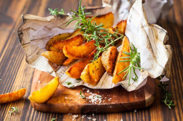 Картофель. Отличный источник калия и витамина С, хотя весною витамина стало несколько меньше, чем было осенью.