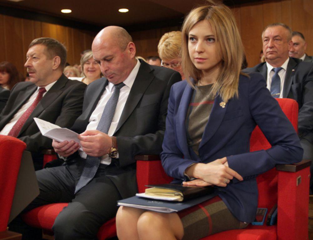 Наталья Поклонская на первом заседании депутатов Государственного Совета Республики Крым в Симферополе, 19 сентября 2014 год.