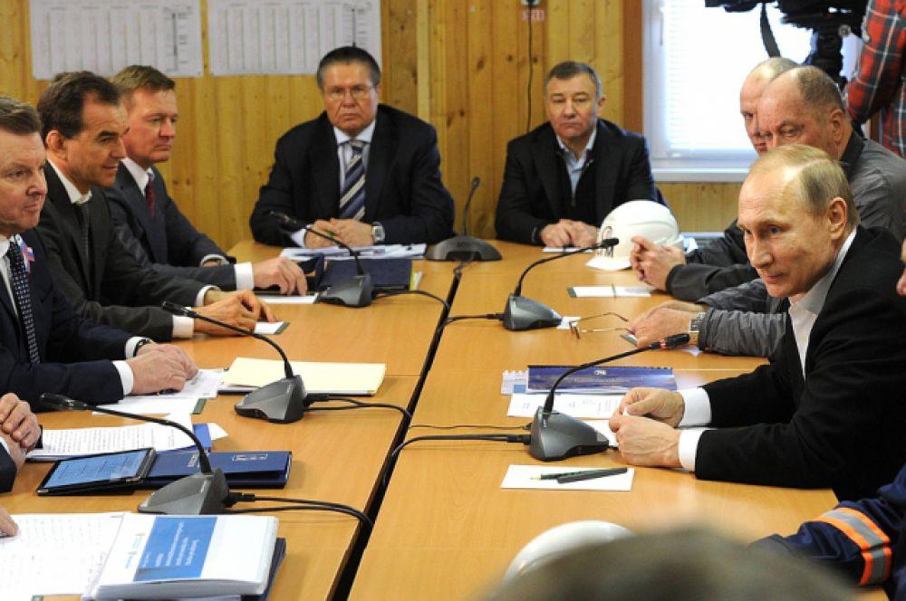 Совещание по вопросам социально-экономического развития Крыма и Севастополя.