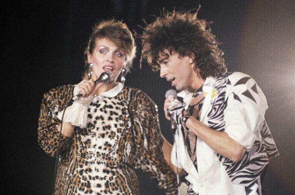 Лайма Вайкуле и Валерий Леонтьев исполняют песню Раймонда Паулса «Вернисаж». 1987 год