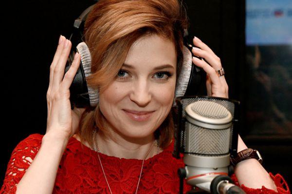Прокурор Крыма Наталья Поклонская в радиостудии «Россия сегодня» в Крыму.