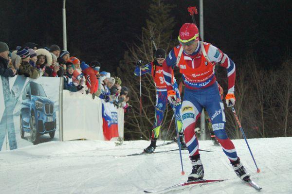 Хотя на пятки Алексею наступали конкуренты. Тот же Бьорнадален поначалу был неплох, но после первой же стрельбы он ушёл далеко вниз и в итоге финишировал 41-м.