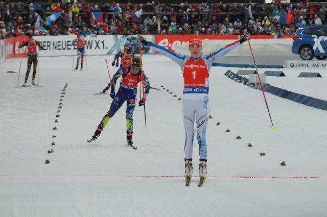 Победный финиш Кайсы Мякяряйнен в гонке преследования.