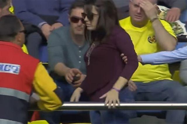 Девушка накаут мужчине фото