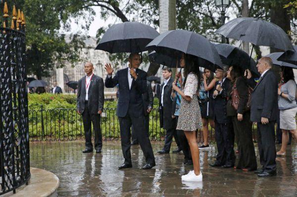 Барак Обама с семьей совершили экскурсию по Старой Гаване.