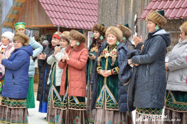 Коллективы приехали со всех уголков Кузбасса.