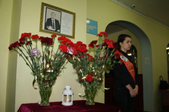 В лицее Калининграда объявили траур в связи со смертью директора.