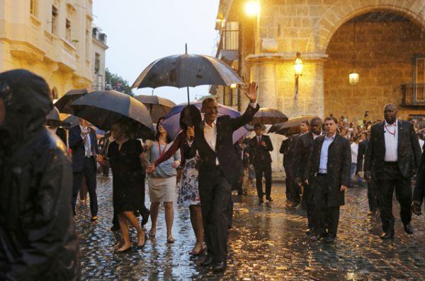 Барак Обама с семьей на экскурсии по Старой Гаване.