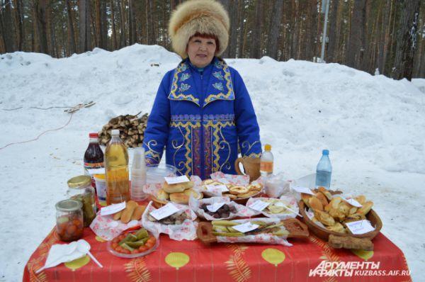 Шорка Галина Николаевна из Шерегеша поделилась с нами своими рецептами и призналась, что очень любит конину – шорцы даже специально выращивают коней на мясо.