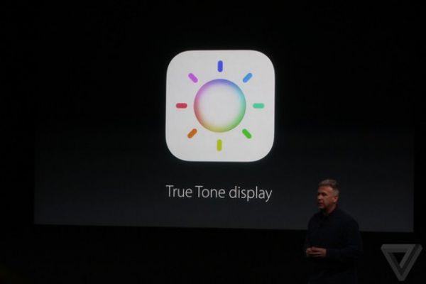 Дисплей True Tone подстраивается под окружающее освещение, чтобы отображать более натуральную картинку.