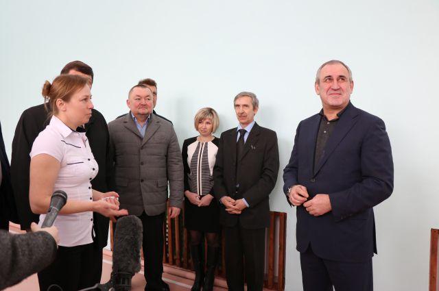 Сергей Неверов в белавской школе, Дорогобужский район.