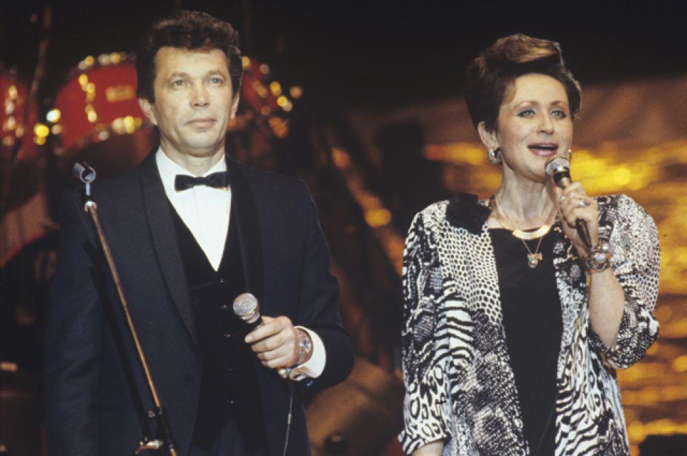 Светлана Моргунова с 1961 года вела концерты и программу передач.