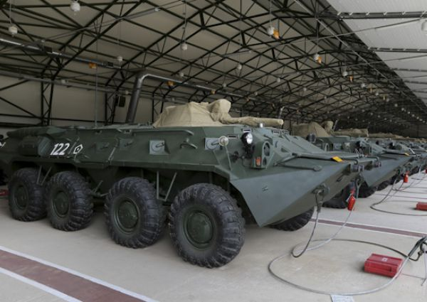 После двухнедельной подготовки военнослужащий способен управлять боевой машиной самостоятельно, а после трехмесячной подготовки он может выполнять задачи уже в составе подразделения
