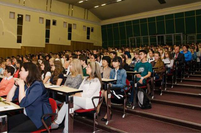 Получат ли выпускники вуза желанные дипломы?