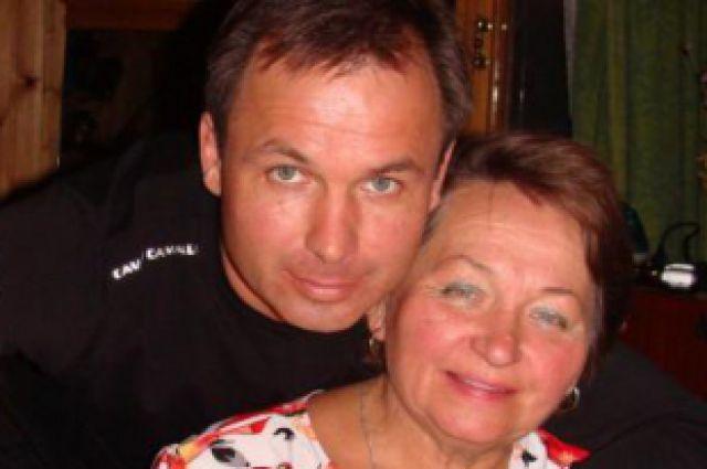 Константин Ярошенко с мамой Любовью Михайловной.