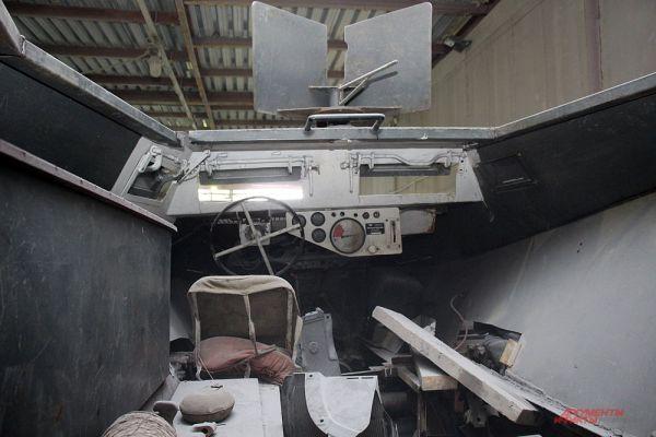 Не каждый день можно посидеть внутри немецкого полугусеничного бронетранспортёра периода Второй мировой войны.