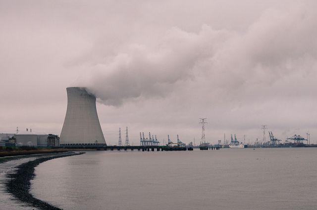 СМИ: террористы собирались взорвать в Бельгии АЭС