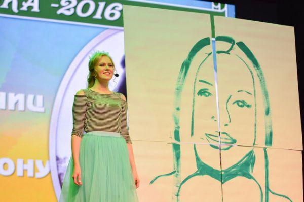 В финале девушки продемонстрировали свои способности в хореографии, вокале, актерском мастерстве.