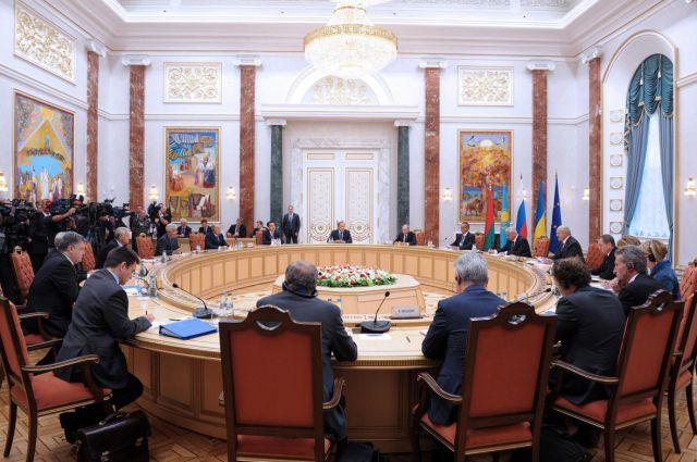 Беларусь и Польша предлагают альтернативу минскому формату