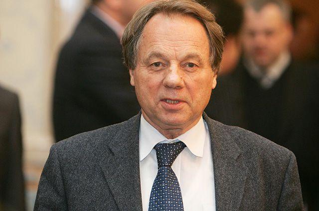 Олег Попцов.