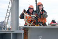 Более 300 калининградцев уже трудятся на стройке.
