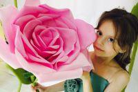 Аня совмещает учебу в первом классе и модельную карьеру.