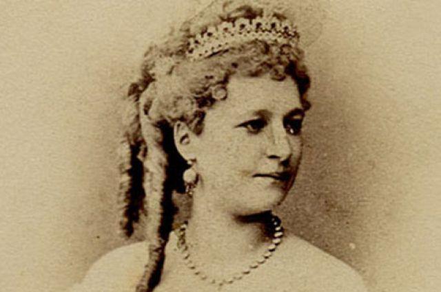 Вера Александровна родилась в артистичной семье.