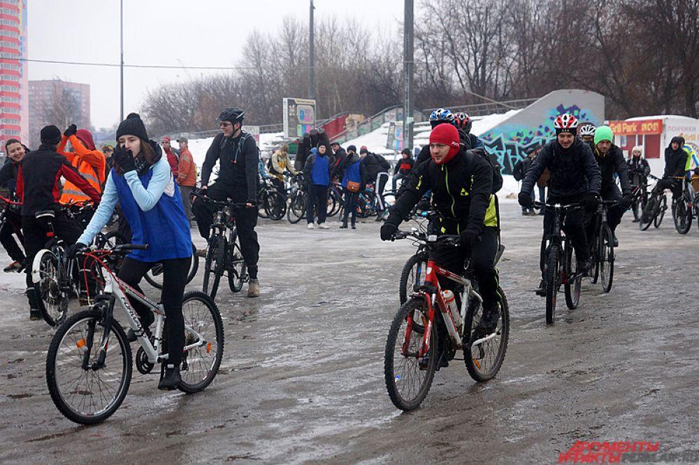 Общественники решили привлечь к себе внимание горожан, в частности, обратить внимание на проблему организации велодвижения в городе.