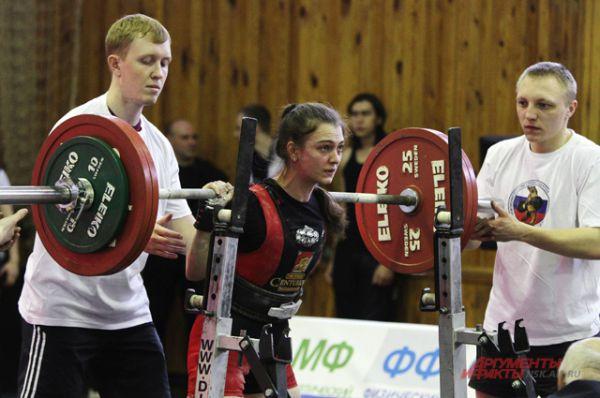 На соревнованиях и девушки, и парни поставили рекорды Новосибирской области.