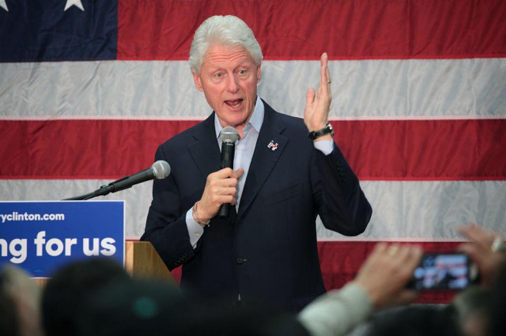 Билл Клинтон - 42 президент США (1993-2001) может вписать свое имя в историю, став первым джентльменом страны.