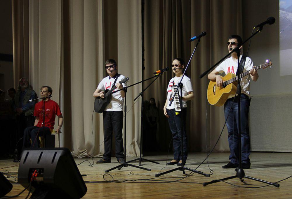 Музыкальный ансамбль «НеЗаМи» из Казани. Для этих ребят весь мир состоит из звуков…