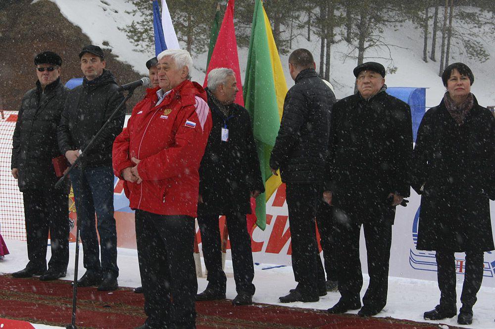 Успехов ребятам пожелал олимпийский чемпион Юрий Скобов.