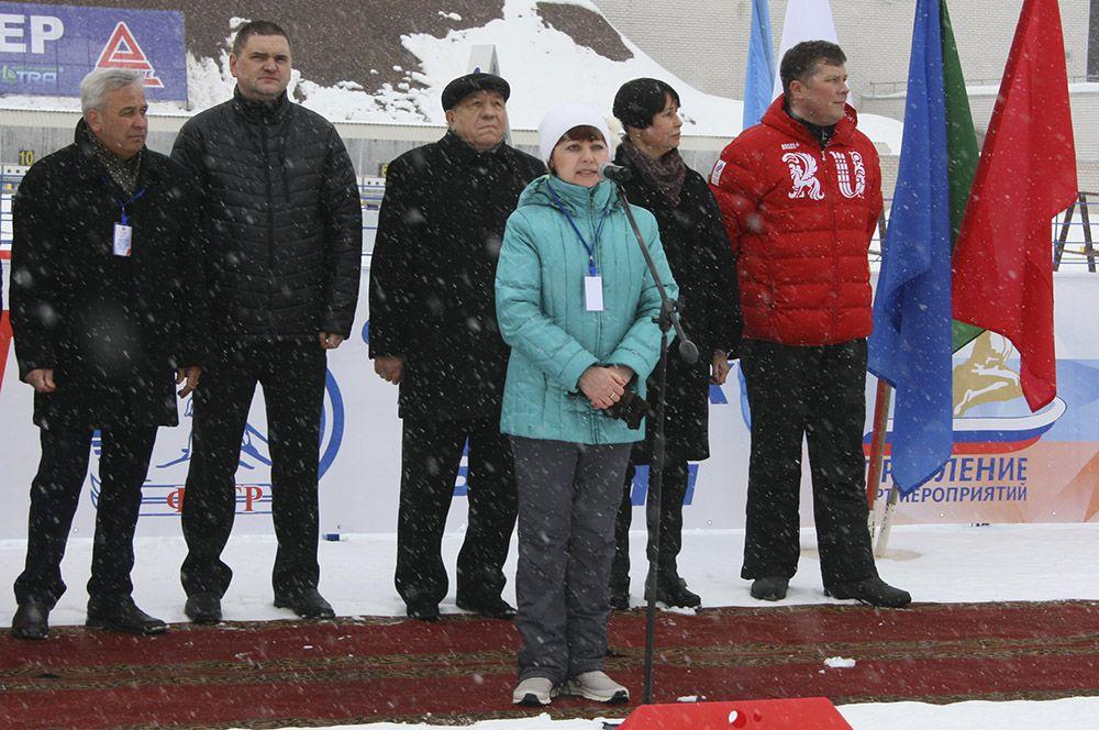 Перед присутствующими выступила дочь олимпийского чемпиона Владимира Меланьина.