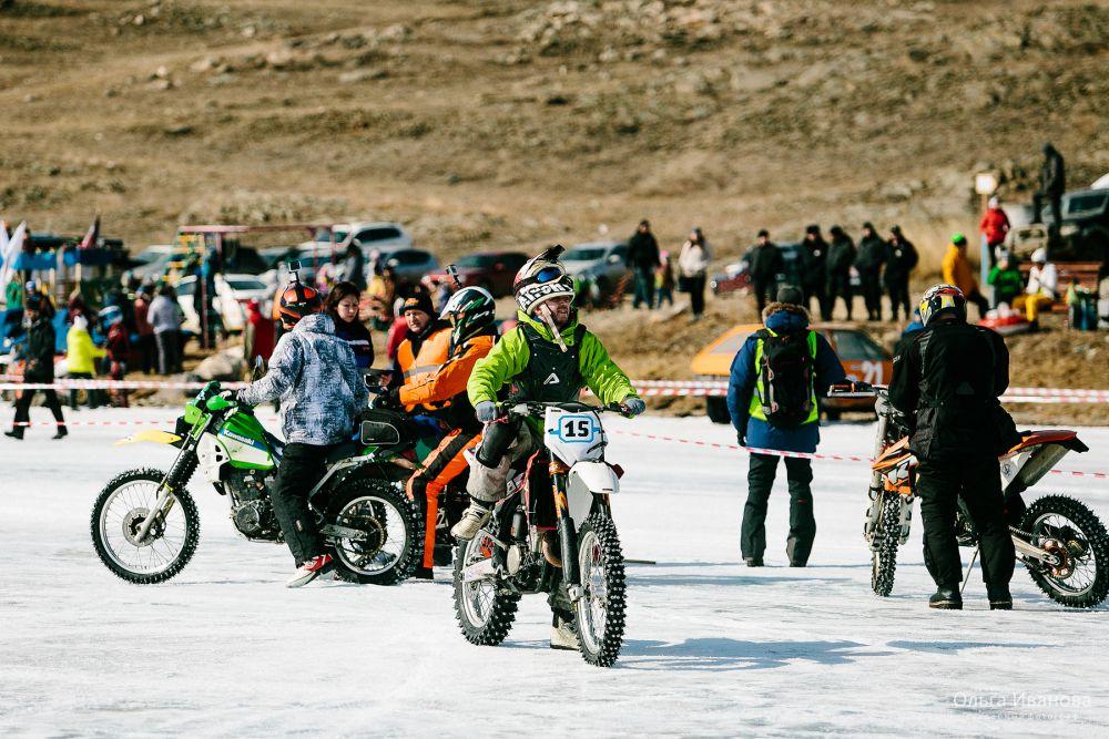 Мотоциклистам не терпелось показать себя.
