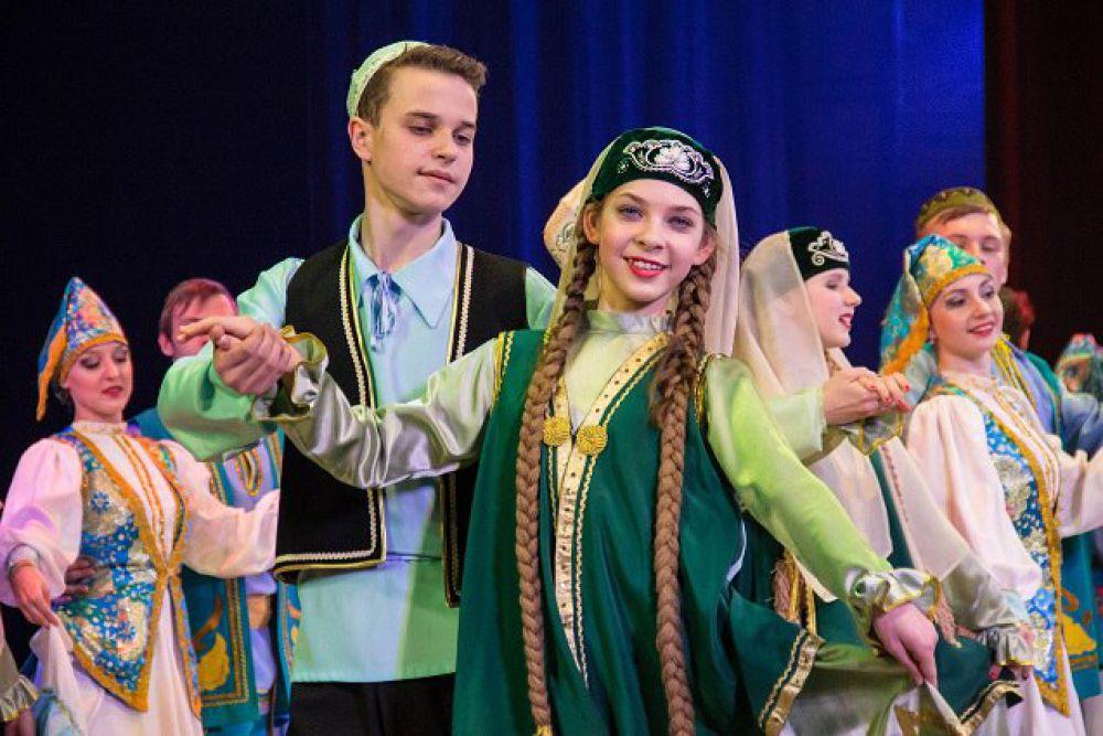 «Мы татары! Мы можем!» - лозунг программы.