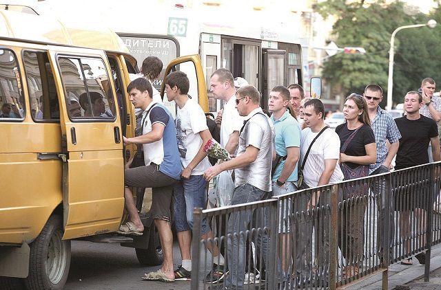 «Газели» помогают горожанам быстро добираться туда, куда общественный транспорт не ходил никогда.
