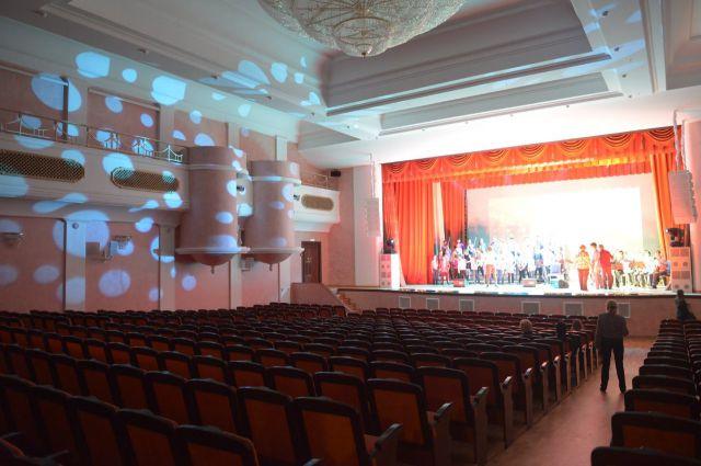 Вручены театральные премии 2015 года