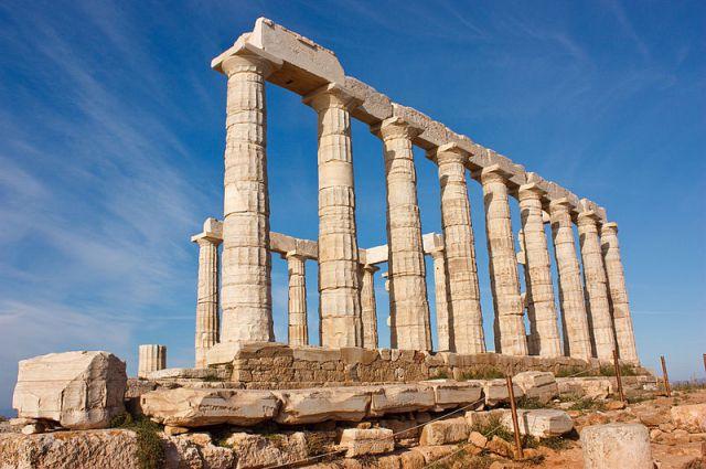 Греция стала ближе к смолянам: теперь подать документы на визу можно в официальном центре.