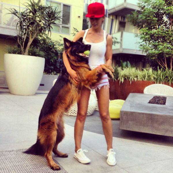 Анна Седокова и овчарка Баффи
