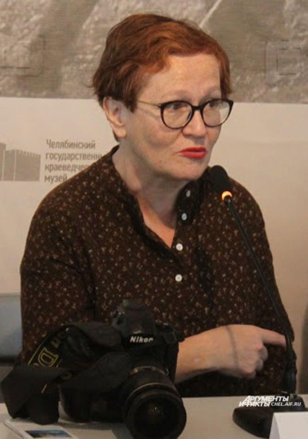 Виктория Ивлева - единственный журналист, побывавший внутри Реактора ЧАЭС после взрыва. На выставке представлены её ранее не публиковавшиеся снимки из Припяти.