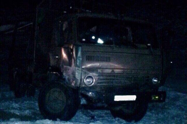 ВКольцово «КамАЗ» въехал вдетей инасмерть сбил мальчика