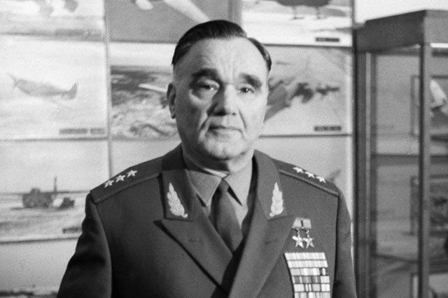 Александр Яковлев.