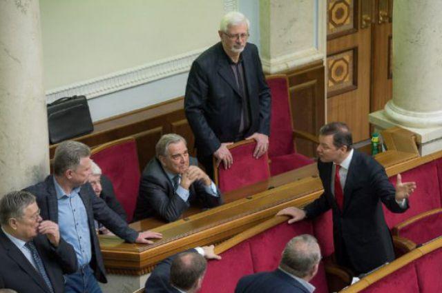 ВРаде собирают подписи засовмещение работы депутата иминистра