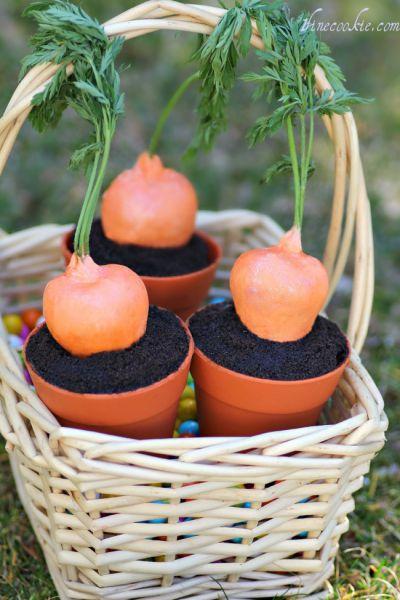 Пирожные, стилизованные под морковку, порадуют и взрослых, и детей.