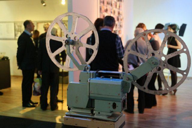 В Сибири почти не осталось кинокомпаний.