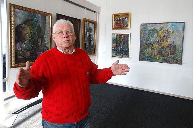 Валерий Теплов - на юбилейной выставке.
