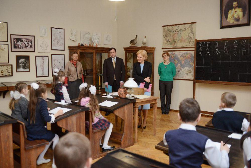 Голодец посетила занятия во втором классе и назвала школу уникальной.