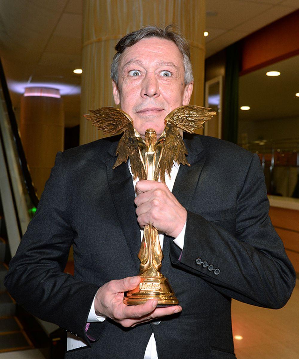 Лучшим актёром второго плана признан Михаил Ефремов, сыгравший в картине «Про любовь».