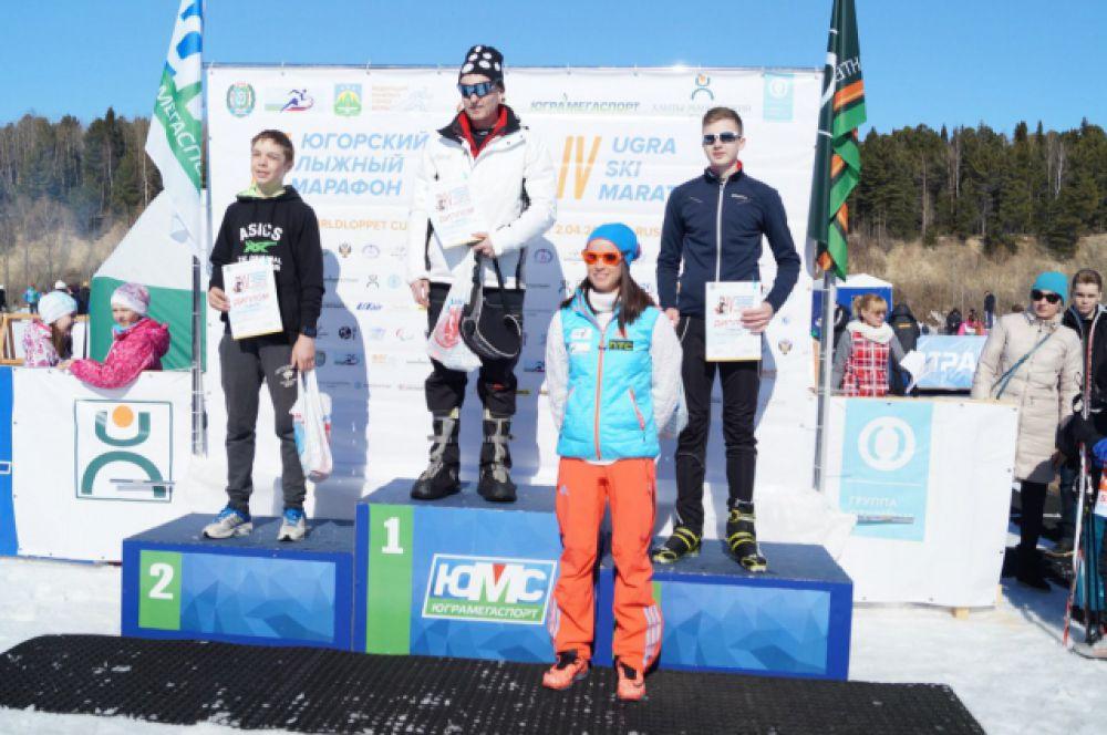 Победителей и призёров среди юношей поздравляла олимпийская чемпионка по биатлону Светлана Слепцова.